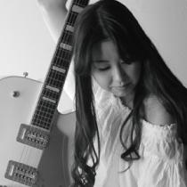 13:00〜13:30 Arisa Safuさんのライブ