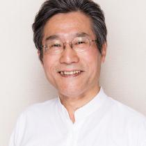 11:00〜11:30 日本フィットネスヨガ協会の橋本光さんによる『アースヨガ』から2日目ははじまります。