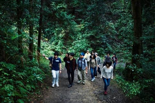 イベント参加者と、あきる野市や檜原村の山を歩く
