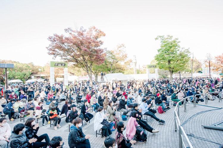2021年10月に開催されたアースガーデン秋2021のステージ観客席の様子
